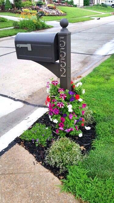Mailbox flower tower #flowerbed #mailbox #garden #curbappeal #flowers #decorhomeideas