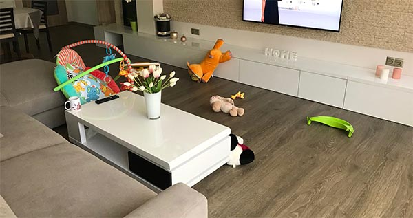 Messy living room with toys storage ideas #toystorage #livingroom #toysmess #decorhomeideas