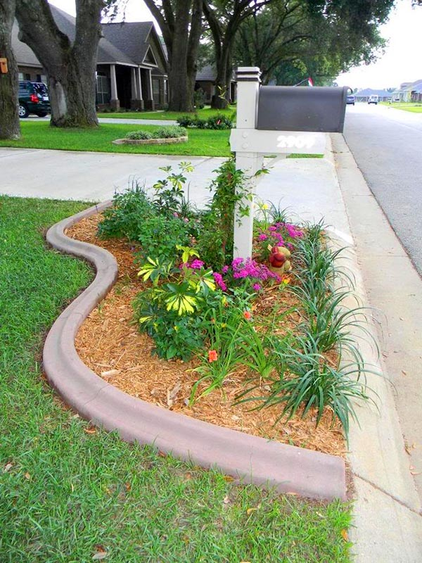 Raised flower bed around mailbox #flowerbed #mailbox #garden #curbappeal #flowers #decorhomeideas