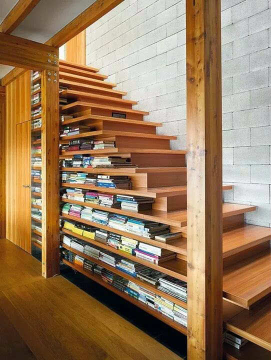 Staircase with built-in bookcase #staircase #stairway #stairs #staircaseideas #decorhomeideas