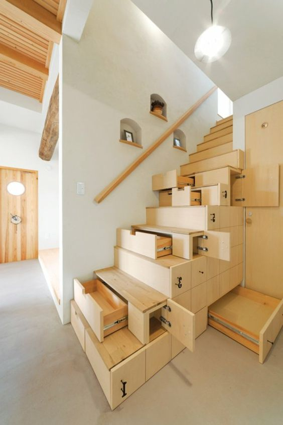 Staircase with built-in storage #staircase #stairway #stairs #staircaseideas #decorhomeideas