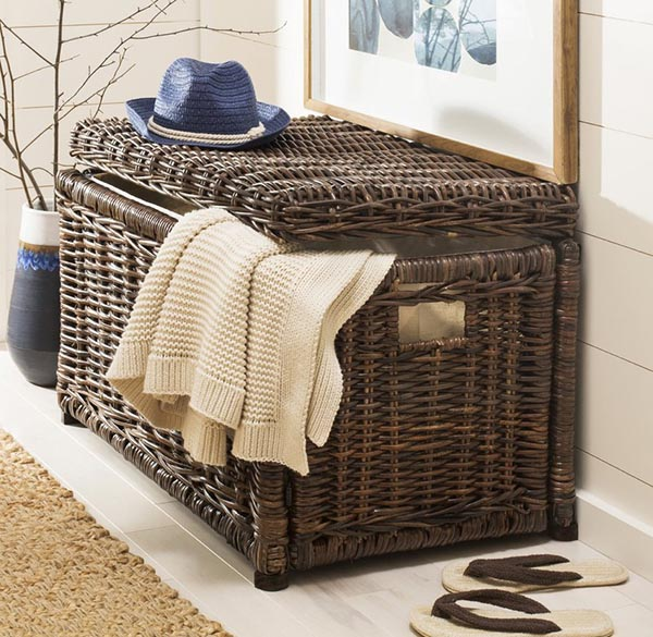 Toy storage wicker trunk #wickertrunk #trunk #toystorage #organize #storage #organization #livingroom #decorhomeideas