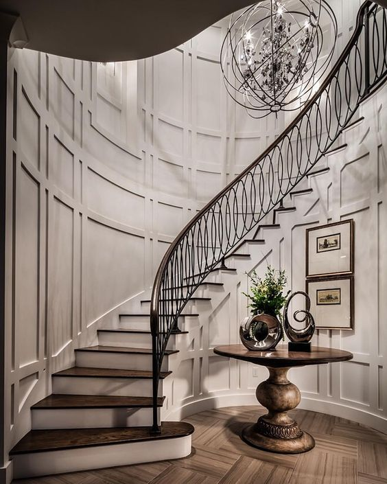 Traditional dark wood staircase design #staircase #stairway #stairs #staircaseideas #decorhomeideas