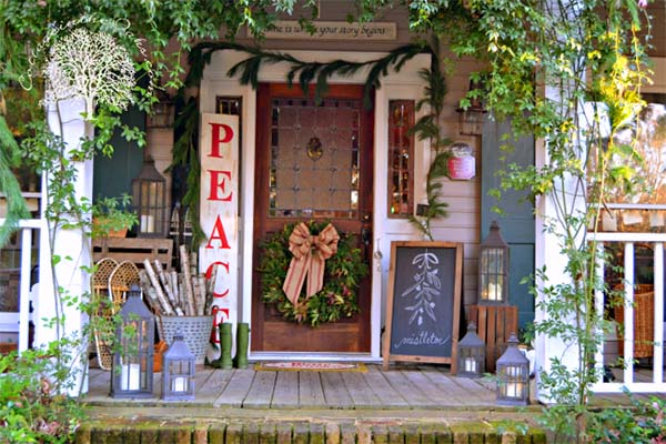 Christmas Front Porch Cottage Decor #Christmasdecoration #Christmas #frontporch #porch #decoration #decorhomeideas