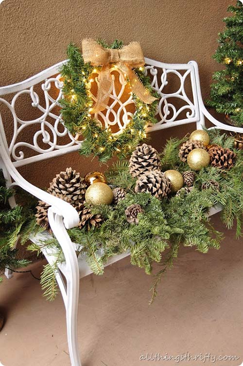 Christmas bench front porch decor #Christmasdecoration #Christmas #frontporch #porch #decoration #decorhomeideas
