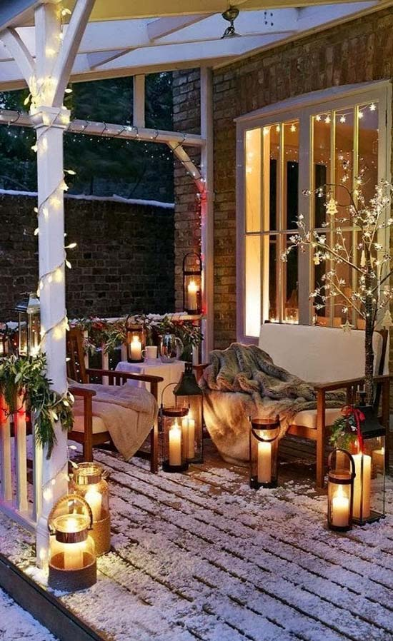 Christmas front porch decoration ideas #Christmasdecoration #Christmas #frontporch #porch #decoration #decorhomeideas