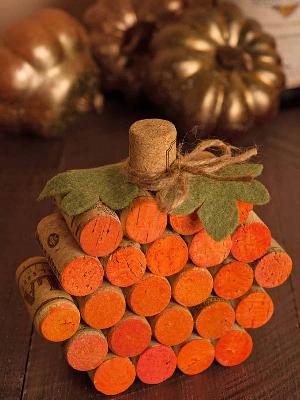 DIY Wine Cork Pumpkin fall craft ideas #craft #fall #falldecor #falldecorideas #decorhomeideas