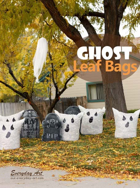 DIY outdoor Halloween decorations ghost leaf bags #halloweendecorations #halloween #diyhalloween #halloweendecor #decorhomeideas