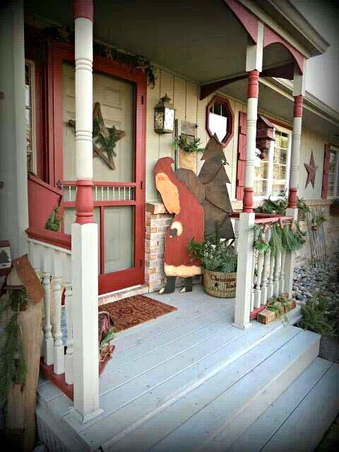Farmhouse front porch Christmas decoration #Christmasdecoration #Christmas #frontporch #porch #decoration #decorhomeideas