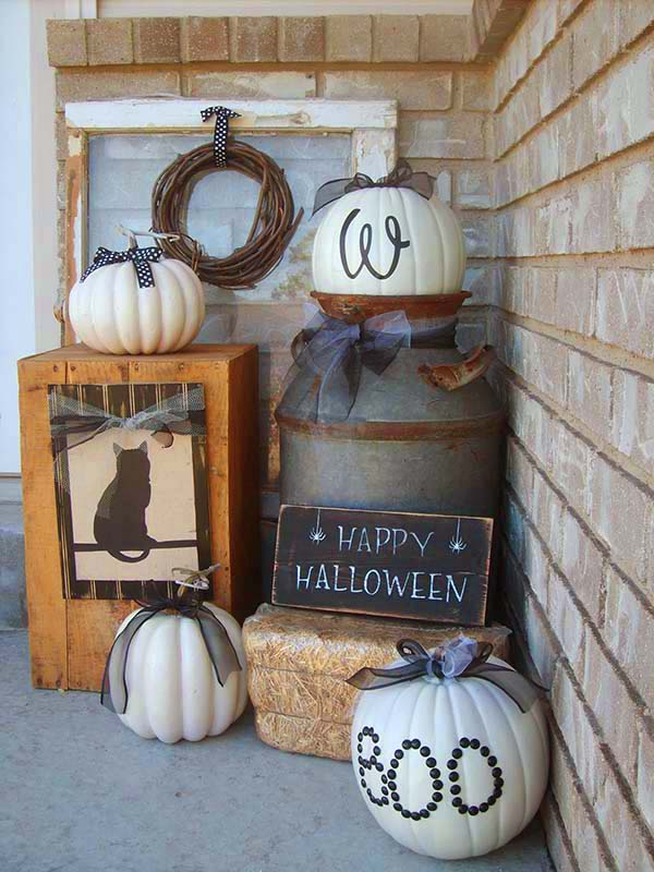 Front porch Halloween decorations #halloweendecorations #halloween #diyhalloween #halloweendecor #decorhomeideas