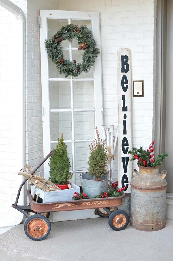 Vintage Christmas Decoration for front porch #Christmasdecoration #Christmas #frontporch #porch #decoration #decorhomeideas