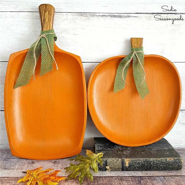 Wood Pumpkin Trays #craft #fall #falldecor #falldecorideas #decorhomeideas