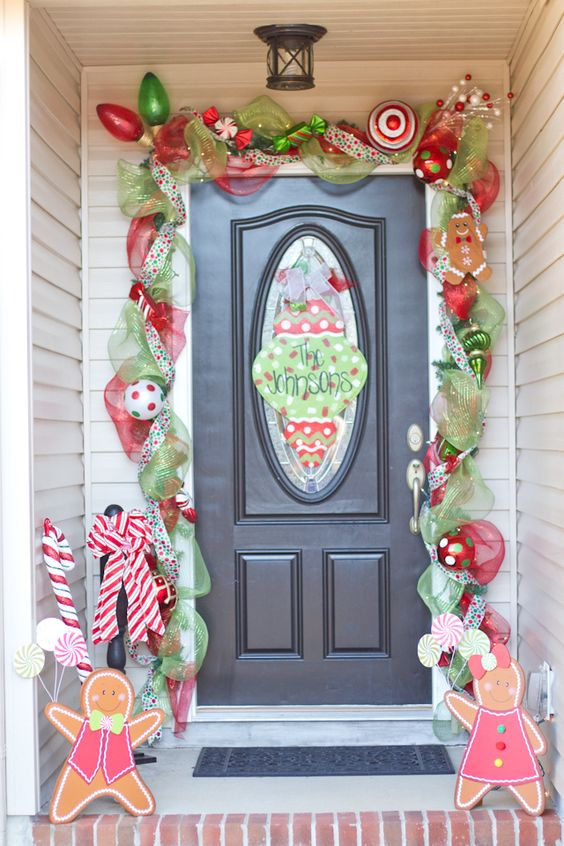 Cute kids Christmas front porch decor #Christmasdecoration #Christmas #frontporch #porch #decoration #decorhomeideas