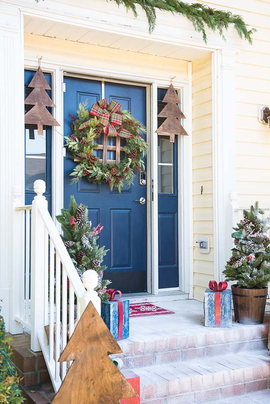 DIY front porch Christmas decoration #Christmasdecoration #Christmas #frontporch #porch #decoration #decorhomeideas
