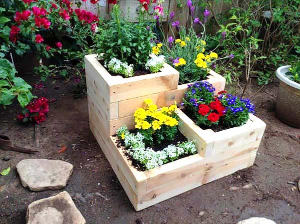 DIY tiered planter #tieredplanter #flowerplanter #planter #flowerpot #decorhomeideas