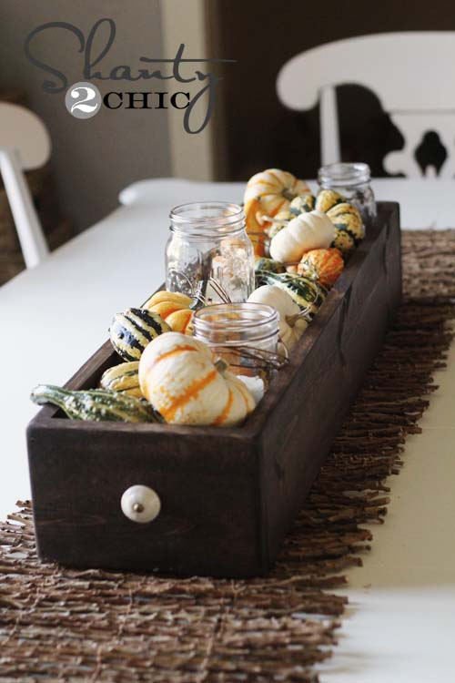 Fall table basket DIY centerpiece #fallcenterpiece #falldecor #diy #falldecoration #thanksgiving #decorhomeideas
