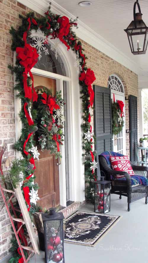 Front porch Christmas decor ideas #Christmasdecoration #Christmas #frontporch #porch #decoration #decorhomeideas