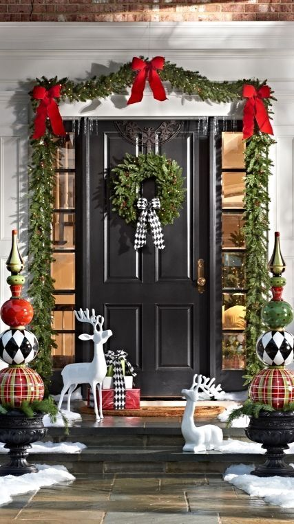 Front porch Christmas decor #Christmasdecoration #Christmas #frontporch #porch #decoration #decorhomeideas