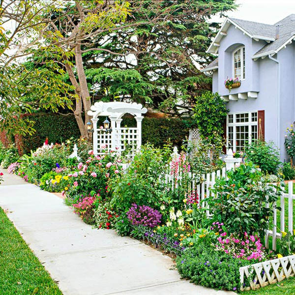 Front yard flower bed garden #cottagegarden #cottage #garden #landscaping #backyard #flowers #decorhomeideas