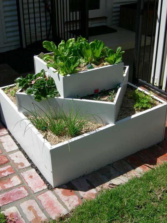 Modern white tiered planter #tieredplanter #flowerplanter #planter #flowerpot #decorhomeideas