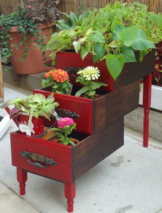 Old drawers vintage tiered planter #tieredplanter #flowerplanter #planter #flowerpot #decorhomeideas