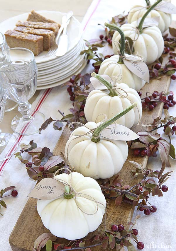 Pumpkin fall centerpiece #pumpkindecor #centerpiece #falldecor #decorhomeideas