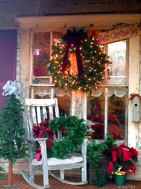 Rocking chair front porch Christmas decor #Christmasdecoration #Christmas #frontporch #porch #decoration #decorhomeideas