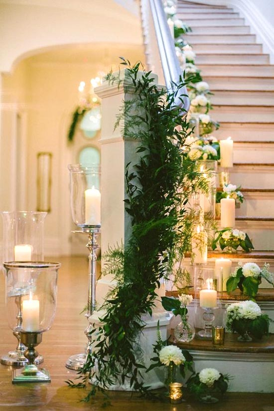 Romantic wedding staircase decoration #staircase #stairs #stairway #stairsdecoration #homedecor #decorhomeideas