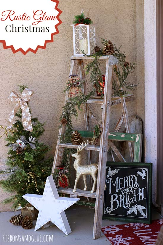 Rustic Christmas front porch decoration #Christmasdecoration #Christmas #frontporch #porch #decoration #decorhomeideas
