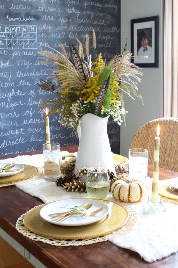 Simple DIY fall table centerpiece #fallcenterpiece #falldecor #diy #falldecoration #thanksgiving #decorhomeideas