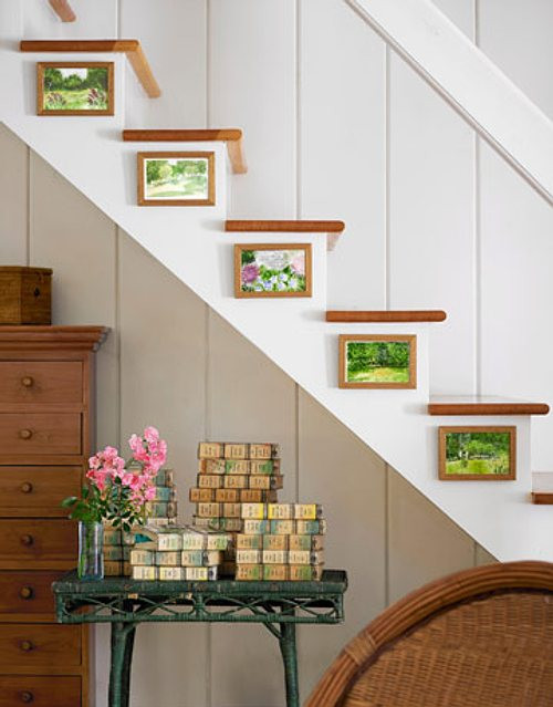 Spring themed stairs decor #staircase #stairs #stairway #stairsdecoration #homedecor #decorhomeideas