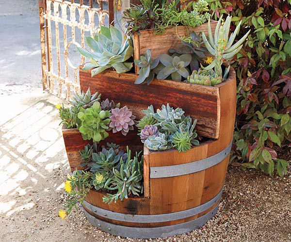Succulent wine barrel flower planter #diy #winebarrel #flowerplanter #repurpose #decorhomeideas