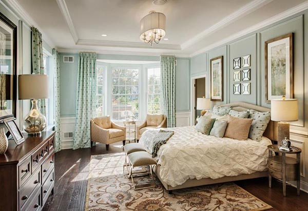 Teal master bedroom with sitting area #bedroom #masterbedroom #sittingarea #homedecor #interiordesign #decorhomeideas