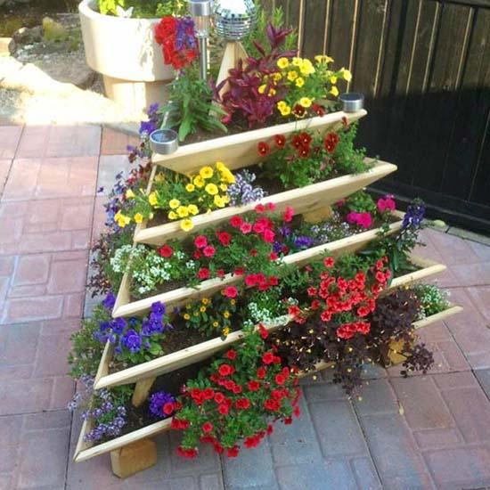 Tilted tiered planter #tieredplanter #flowerplanter #planter #flowerpot #decorhomeideas