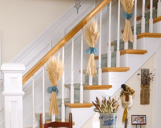 Wheat decorated stairs #staircase #stairs #stairway #stairsdecoration #homedecor #decorhomeideas