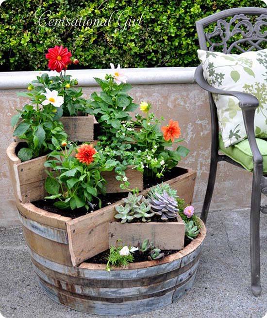 Wine barrel flower planter #tieredplanter #flowerplanter #planter #flowerpot #decorhomeideas
