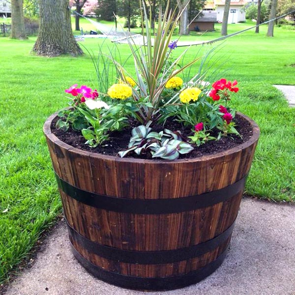 Wine barrel flower planter for small flowers #diy #winebarrel #flowerplanter #repurpose #decorhomeideas