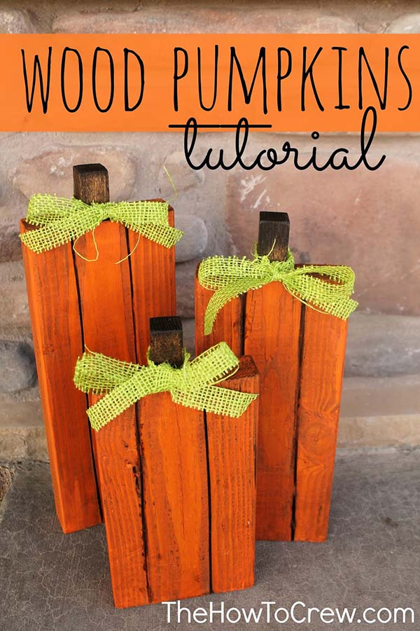 Wood pumpkins with ribbon #craft #fall #falldecor #falldecorideas #decorhomeideas