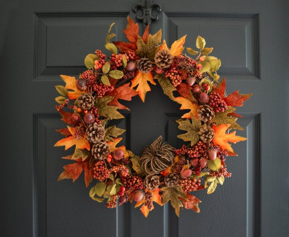 Acorn and pinecones wreath #wreath #falldecor #fallwreath #falldecoration #decorhomeideas