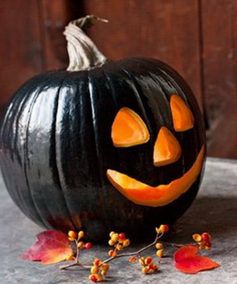 Black Jack-O-Lantern #pumpkin #carving #halloween #falldecor #decorhomeideas