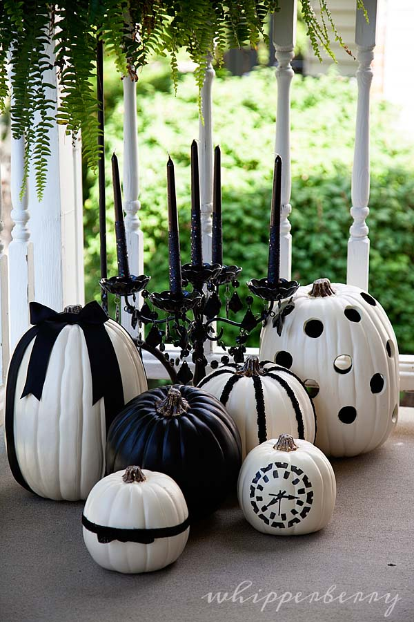 Black and White Halloween Carved Pumpkins #pumpkin #carving #halloween #falldecor #decorhomeideas