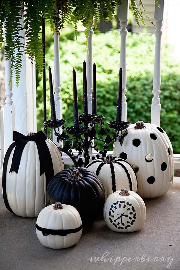 Black and White Halloween Carved Pumpkins #pumpkin #carving #halloween #falldecor #decorhomeideas