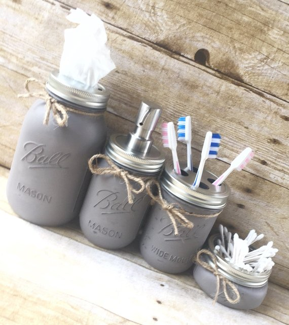 Contry Bathroom Decor Mason Jars #countrybathroom #countrydecor #bathroom #farmhouse #decorhomeideas