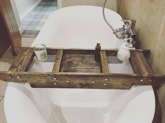 Country Bathroom Bath Caddy #countrybathroom #countrydecor #bathroom #farmhouse #decorhomeideas