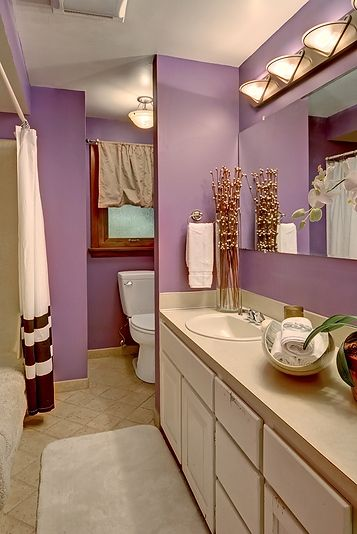Cute purple bedroom interior #purplebathroom #purple #bathroom #lavender #bathroomideas #decorhomeideas