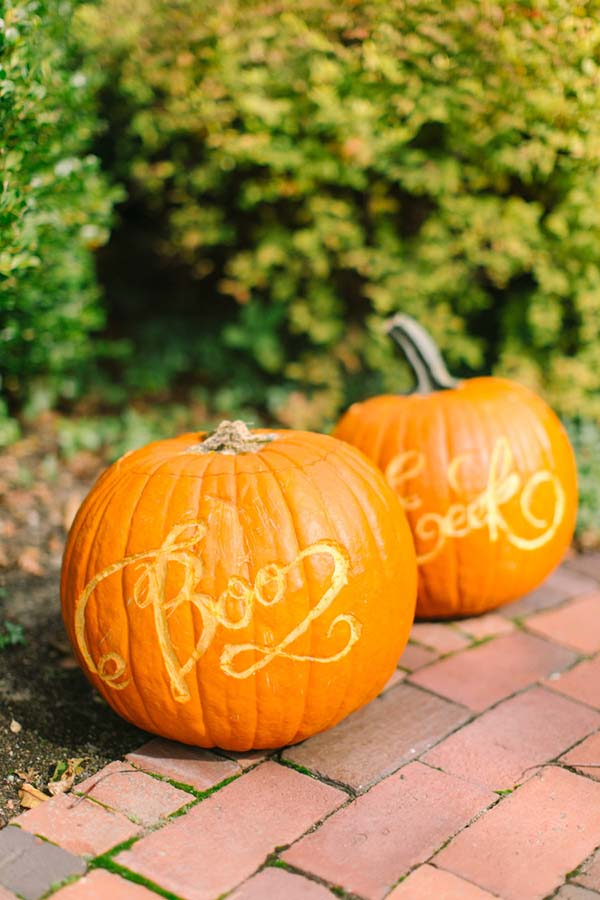 DIY Calligraphy Pumpkins #pumpkin #carving #halloween #falldecor #decorhomeideas