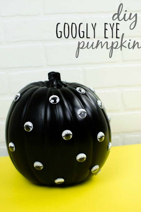 DIY Googly Eye Carved Pumpkin #pumpkin #carving #halloween #falldecor #decorhomeideas