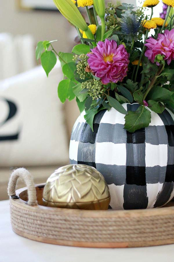 DIY Plaid Pumpkin #pumpkin #carving #halloween #falldecor #decorhomeideas