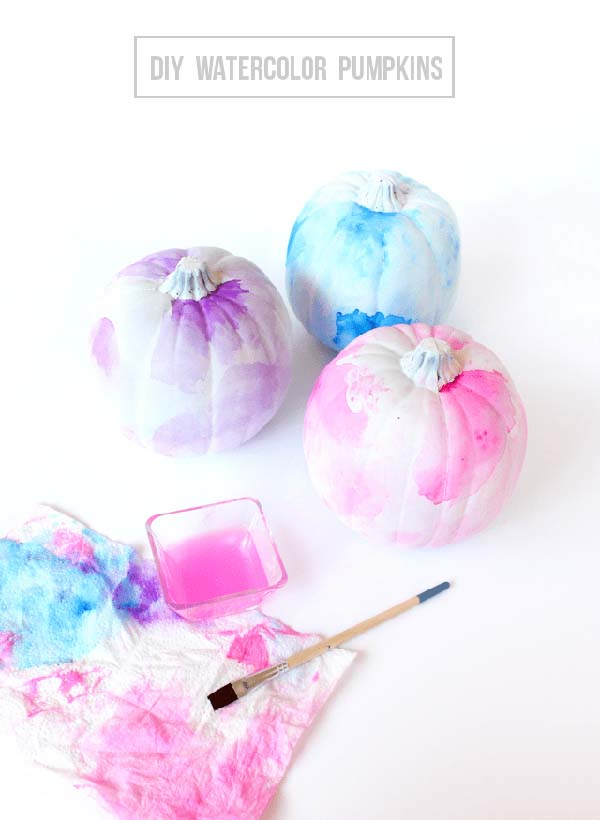 DIY Watercolor pumpkins #pumpkin #falldecor #nocarve #homedecor #decorhomeideas