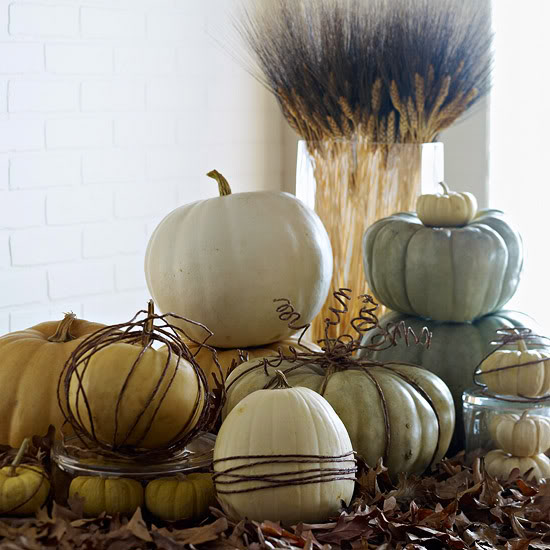 Fall White Pumpkin Centerpiece #pumpkindecor #centerpiece #falldecor #decorhomeideas